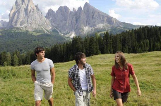 Escursionismo sull'Alpe di Siusi 7